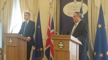 Foreign Minister Kotzias and UK Foreign Secretary Philip Hammond January 2016