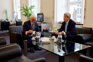 Secretary Kerry with German Foreign Minister Steinmeier. Berlin October 22, 2015