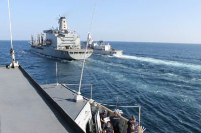 ITS-Carabiniere-approaching-the-USNS-Laramie-for-RAS December 2015 EU NAVFOR